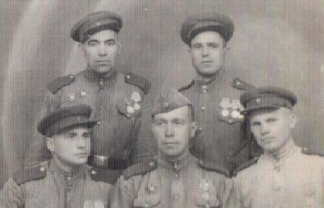 Быкадоров Николай Константинович (первый справа снизу)