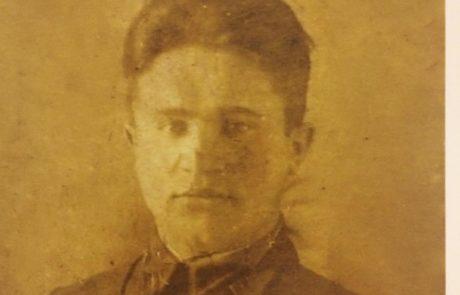 Матвей Васильевич Картушин. Был командиром дивизии. Погиб в 1944г. на переправе Двина или Днепр.