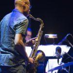 entertainment-saxophone-player-sani-resort-greece-01